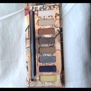 UD Jean-Michel Basquiat Gold Griot palette